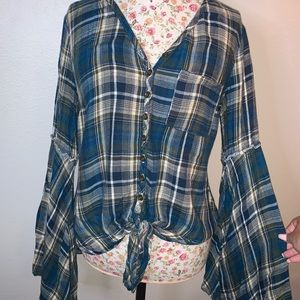 Flannel print bell sleeved top